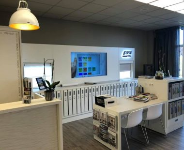 show room stores Luxaflex