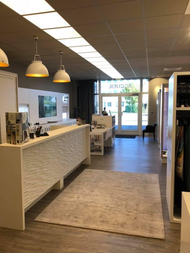 Bureau accueil du Showroom Luxaflex