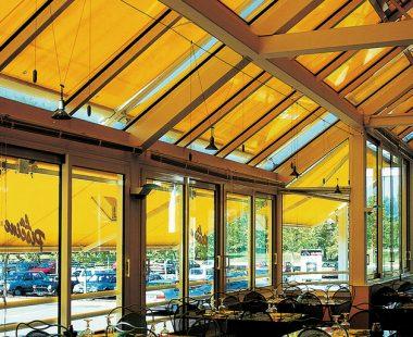 Store toiture véranda Marquises
